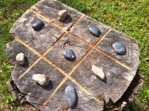 Handmade DIY Outdoor Natural Tic-Tac-Toe Board